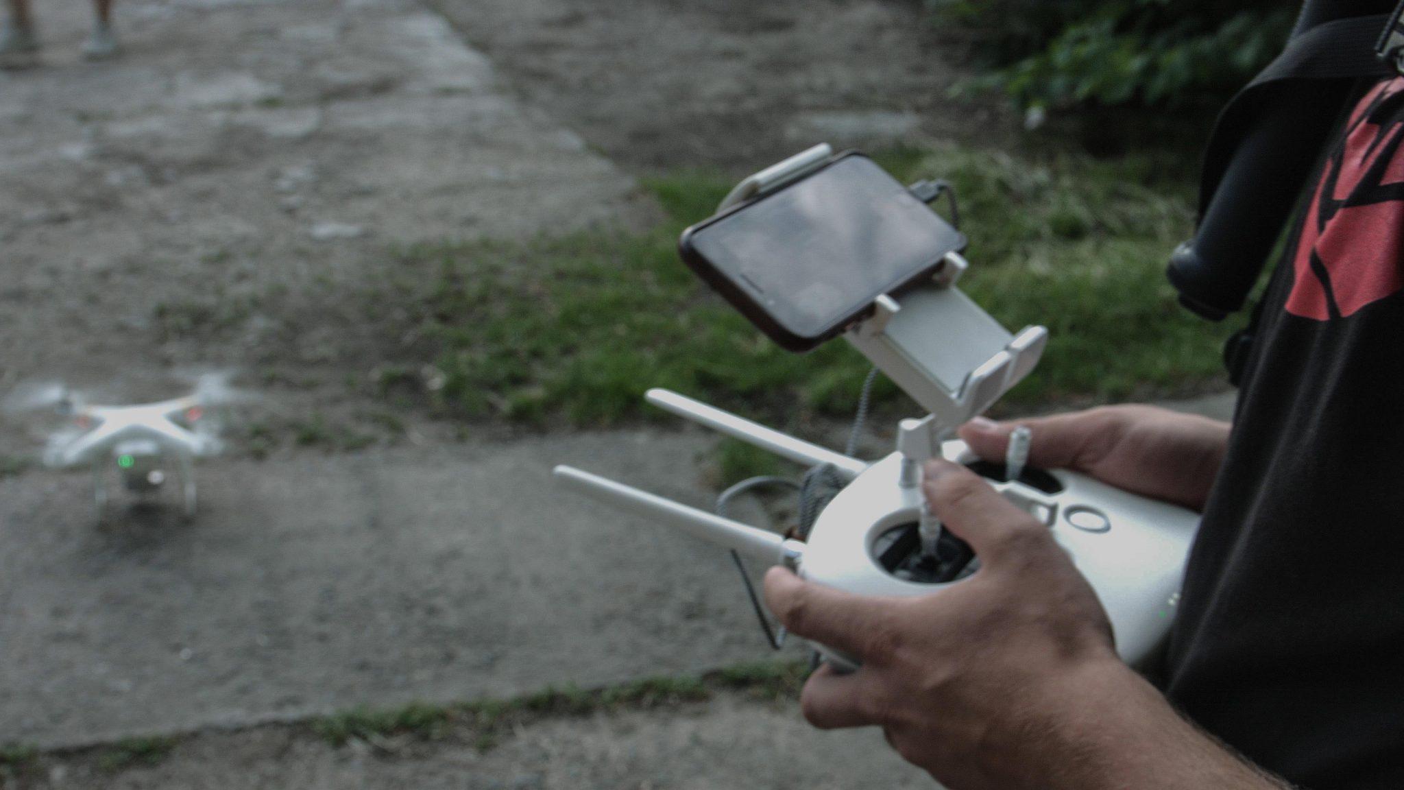 Vzlet dronu Phantom 3 Pro