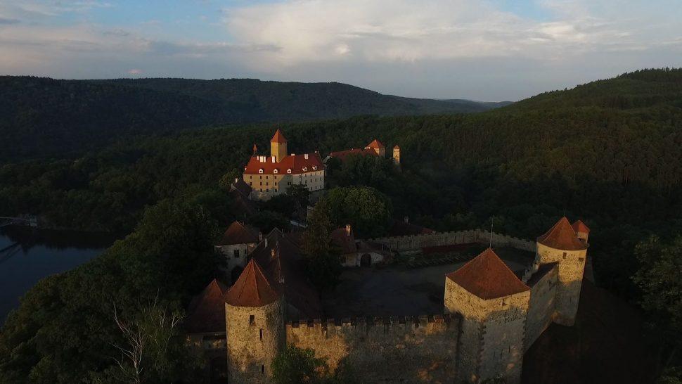 Fotka hradu - dron
